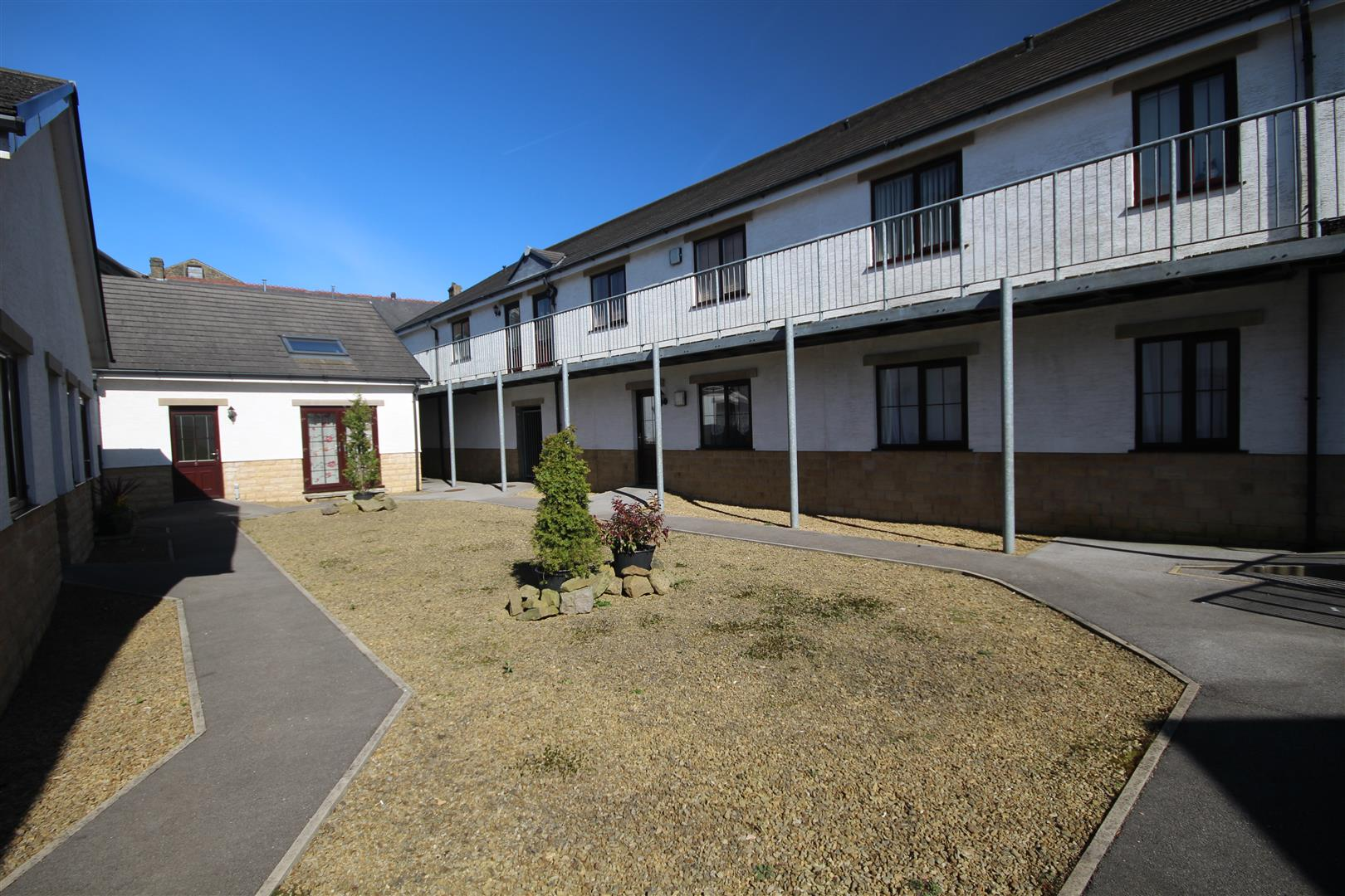 2 bedroom apartment For Sale in Colne - IMG_9575.JPG